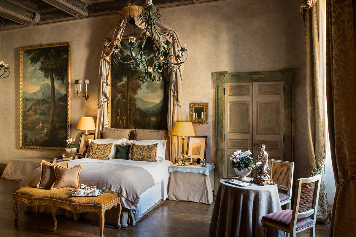 residenza-ruspoli-napoleone-luxury-suite-in-rome-bedroom-2-blue-room