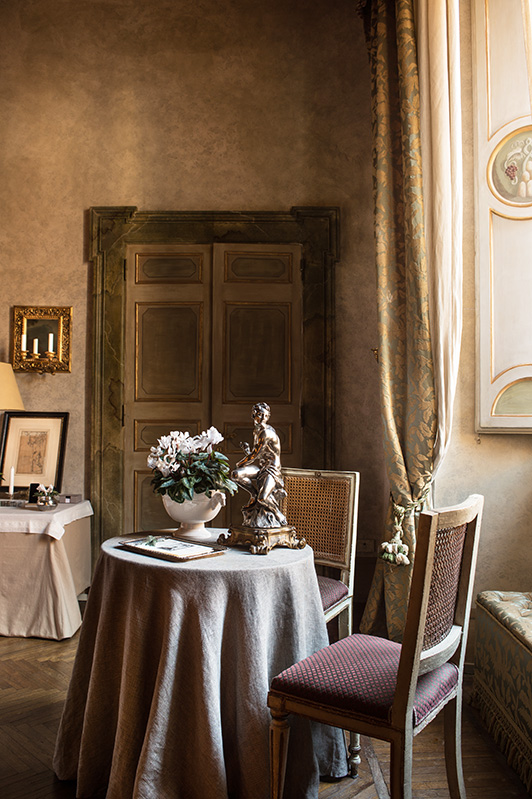 z-residence-ruspoli-napoleone-luxury-suite-in-rome-historycal-bedroom-1